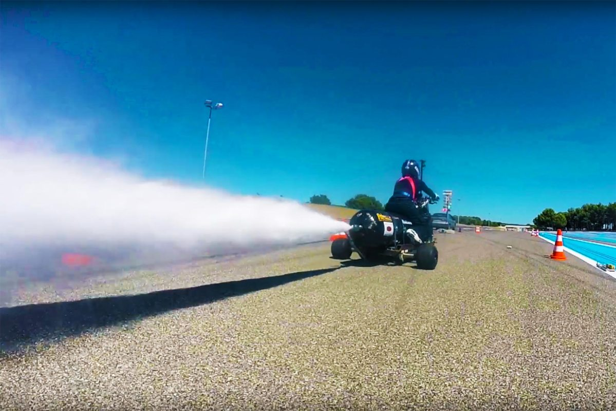Video: Going 160mph+ on a Water-Powered Trike